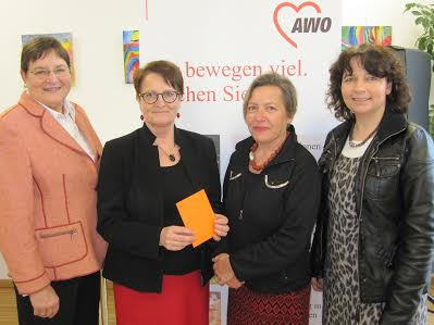 Stv. Landrätin Christel Engelhard, Michaela Grashei und Gabriele Heinze (AWO), Kreisvorsitzende Ruth Müller, MdL
