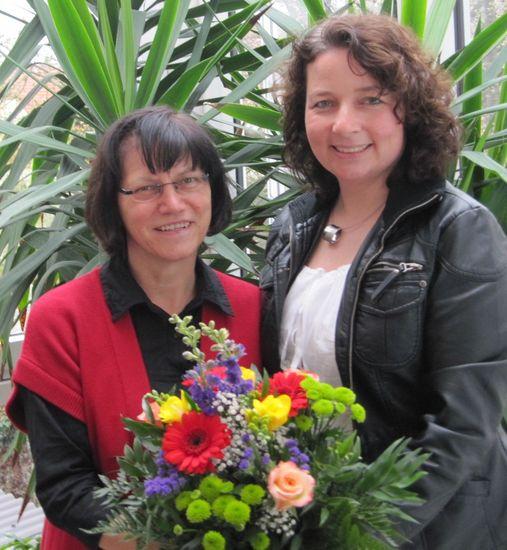 freut sich über den Besuch aus Landshut: MdL Johanna Werner-Muggendorfer mit Ruth Müller (SPD Landkreis Landshut)