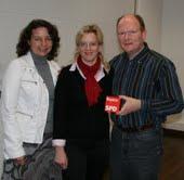 Ruth Müller (links) und Dr. Bernd Vilsmeier (rechts) mit Generalsekretärin der Bayern-SPD Natascha Kohnen